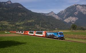 Glacier Express mezi Reichenau Tamins a Bonaduz