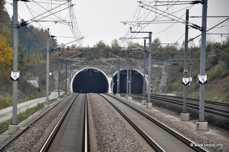 Rychlá trať Olten - Bern (Mattstetten - Rothrist) v souběhu s původní tratí